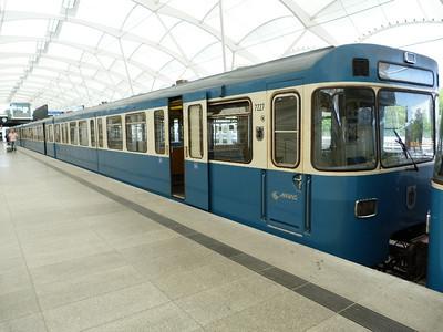 7227 Frottmaning, Munich Type-A U-Bahn, Friday, 06/05/11