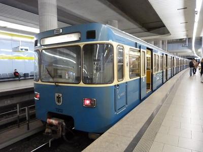 7202 at Max-Weber-Platz, Munich Type-A U-Bahn, Wednesday, 04/05/11