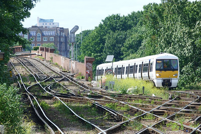 376 022 about to arrive into Lewisham. Saturday, 09/06/12