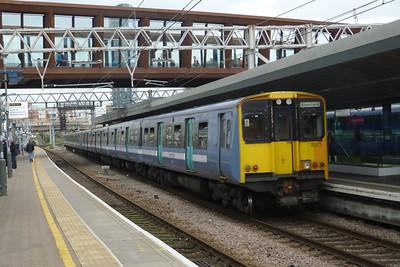 315 813 departs Stratford, Friday, 08/06/12