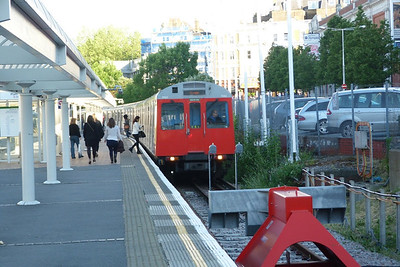 7062 arrives into Kensington Olympia, Saturday, 09/06/12