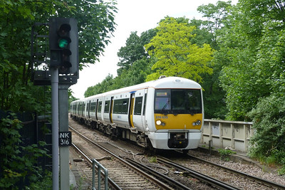 376 035 arrives into Sidcup. Saturday, 09/06/12