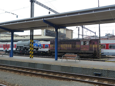 742 364 with a wagon and a truck. Bratislava Hlavna Stanica, Tuesday, 03/05/11