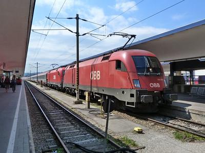 1116 099 at Wien Westbahnhof. Vienna, Monday, 02/05/11