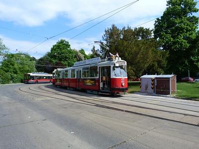 4011 at the turning circle at Wien Sudbahnhof. Vienna, Monday, 02/05/11