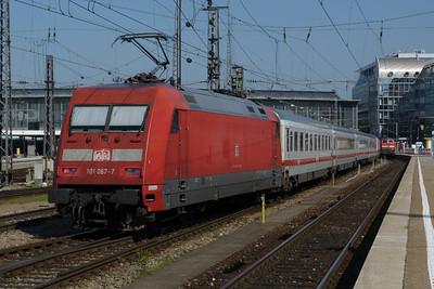 101 067 Munich Hbf, Friday, 06/05/11