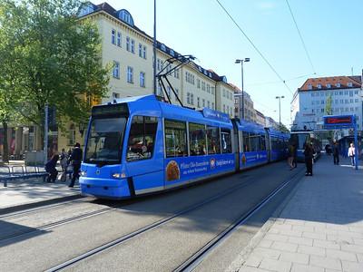 2215 Munich Hbf, Friday, 06/05/11