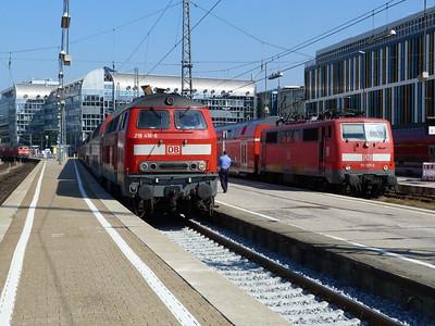 218 416 & 111 027 Munich Hbf, Friday, 06/05/11