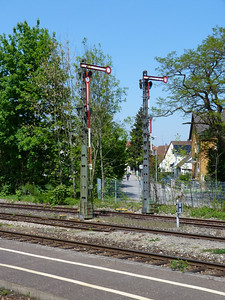 Semaphore signals at Seden,Thursday, 05/05/11