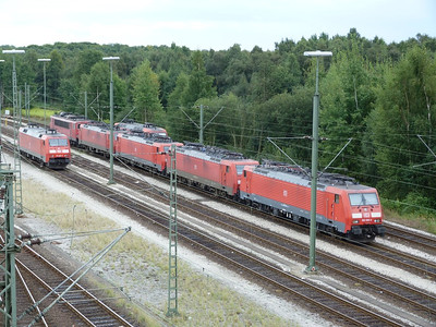 189 009 and other TRAXX at Maschen Yard, Thursday, 13/09/12