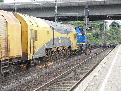 Rail-grinder in action, Hamburg-Harburg, Thursday, 13/09/12