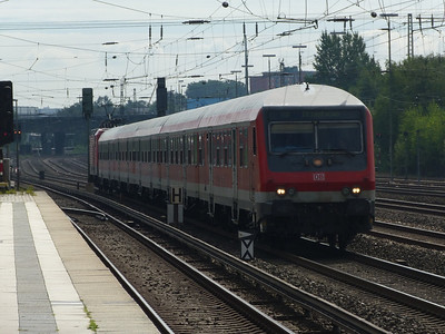 A push-pull Regio train passes Eidelstedt. Thursday, 13/09/12