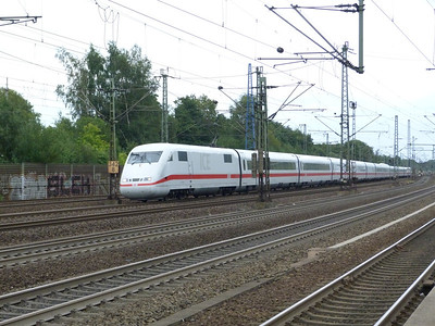 An ICE-1 speeds through Hamburg-Harburg, Thursday, 13/09/12