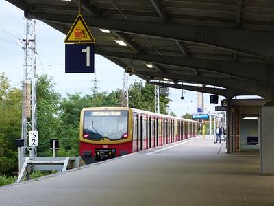 S-Bahn at Henningsdorf. Saturday 15/09/12