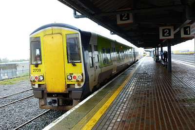 2709 at the other end. Limerick Junction, Wednesday, 22/02/12