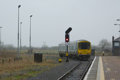 2702 departs with the 13:45 service to Limerick. Limerick Junction, Wednesday, 22/02/12