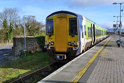 Day 3 of the 2700 Trekker tour was to cover the most westerly places served by the 2700s. The day started in Ballybrophy where 2714 is seen in the bay platform. Thursday, 23/02/12