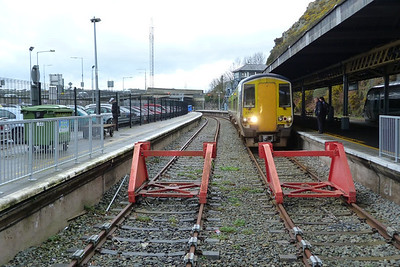 The end of the route, 2710 is seen at Waterford, the most easterly point the 2700s currently operate in service too. Prior to two years ago they also went on to Rosslare Europort, and for a while to Enniscorthy. Wednesday, 22/02/12