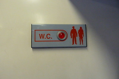 The toilet sign for a 2700. Alsthom certainly chose interesting visuals to represent the man and woman. Wednesday, 22/02/12