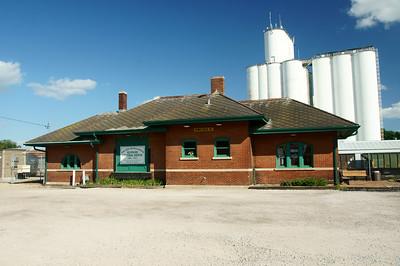 Illinois Central depot in Iowa Falls, IA.
