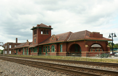 Former Santa Fe depot in Ft Madison, IA