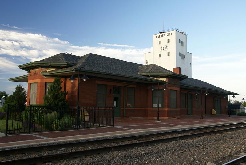 AT&SF depot in Garden City, KS