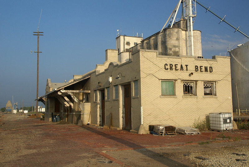 Great Bend, KS ATSF depot in a state of arrested decay.