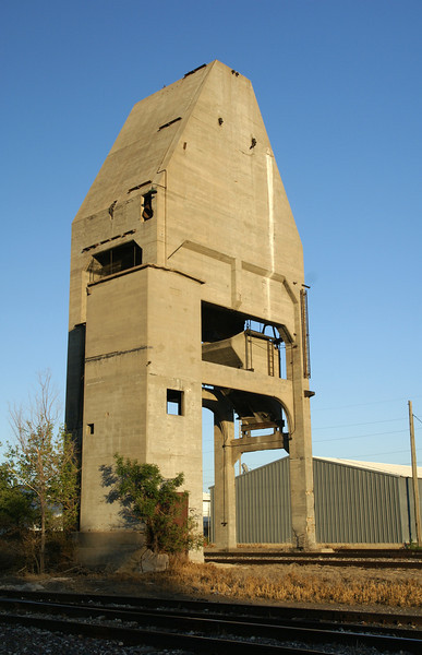 This Santa Fe coaling tower can be found in Great Bend, KS.