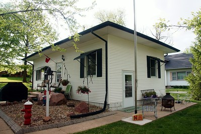 Former Missouri Pacific depot in Murray, NE now used as a residence.