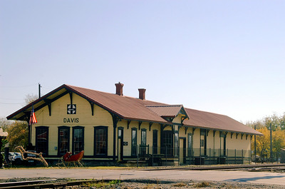 Santa Fe depot still trackside in Davis, OK.