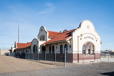 Union depot in Tucumcari, NM.  Used by The Rock Island and Southern Pacific.