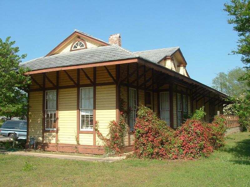 Frankston, TX Texas & New Orleans depot.