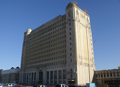 Built in 1931 by the Texas & Pacific Railroad, this 13 story station has a ZigZag Moderne Art Deco design.  Inside are marble floors, metal inlaid ceiling panels along with brass and nickel fixtures.  The building to the left is new apartments and the small building to the right is the former Railway Express Agency building.