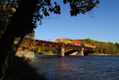 7. Quebec Gatineau Thurso Turn crosses the Rivière Rouge (Red River) at Calumet on a splendid fall day.