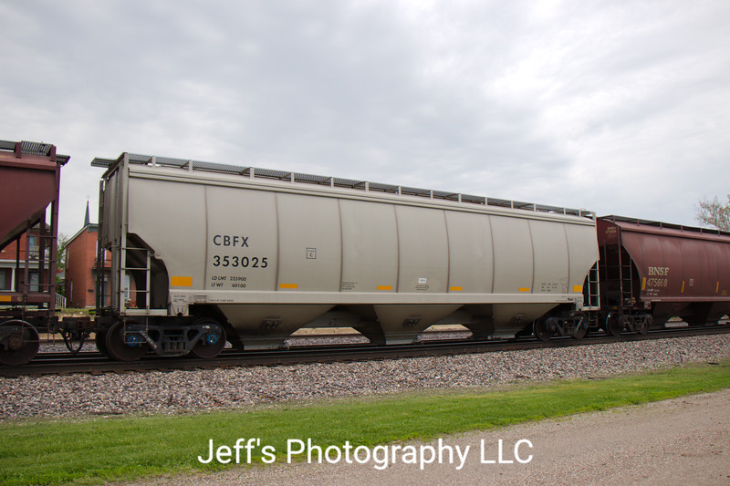 CIT Group/Capital Finance Incorporated 3-Bay 5200 cu. ft. Covered Hopper No. 353025