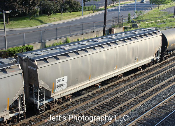 CIT Group/Capital Finance Incorporated 4-Bay 6011 cu. ft. Covered Hopper No. 200101