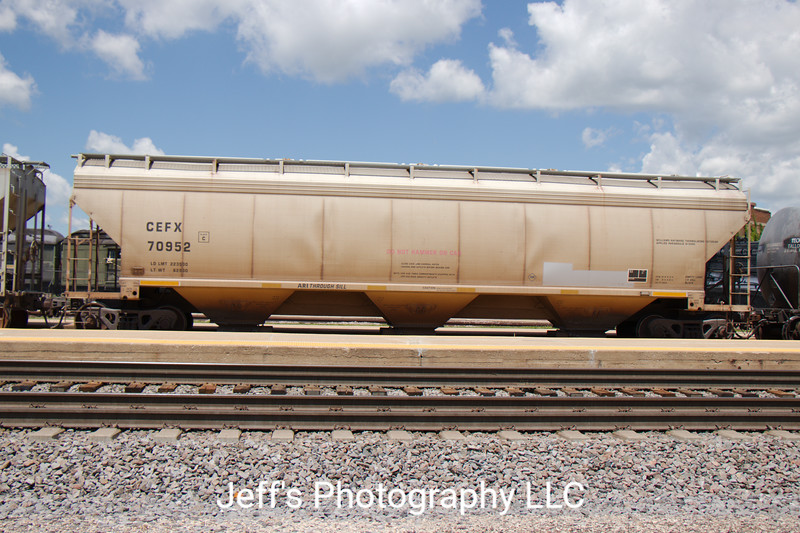 CIT Group/Capital Finance Incorporated 3-Bay ARI 5200 cu. ft. Covered Hopper No. 70952