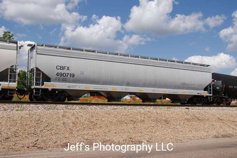 CIT Group/Capital Finance Incorporated 4-Bay 5800 cu. ft. Covered Hopper No. 490719