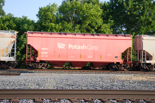 General American Marks Company 3-Bay NSC 4300 cu. ft. Covered Hopper No. 2250