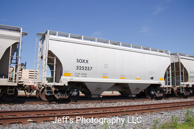 SMBC Rail Services LLC 2-Bay FCA 3282 cu. ft. Covered Hopper No. 325257