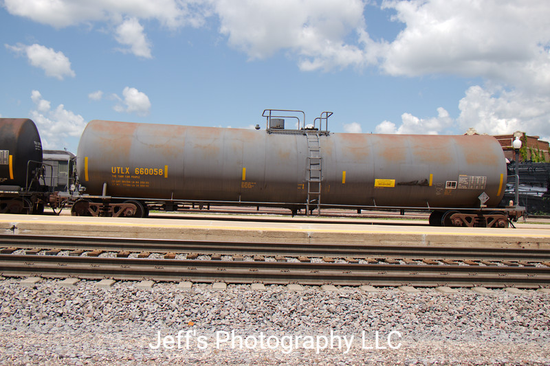 Union Tank Car Company 22,284 Gallon Tank Car No. 660058