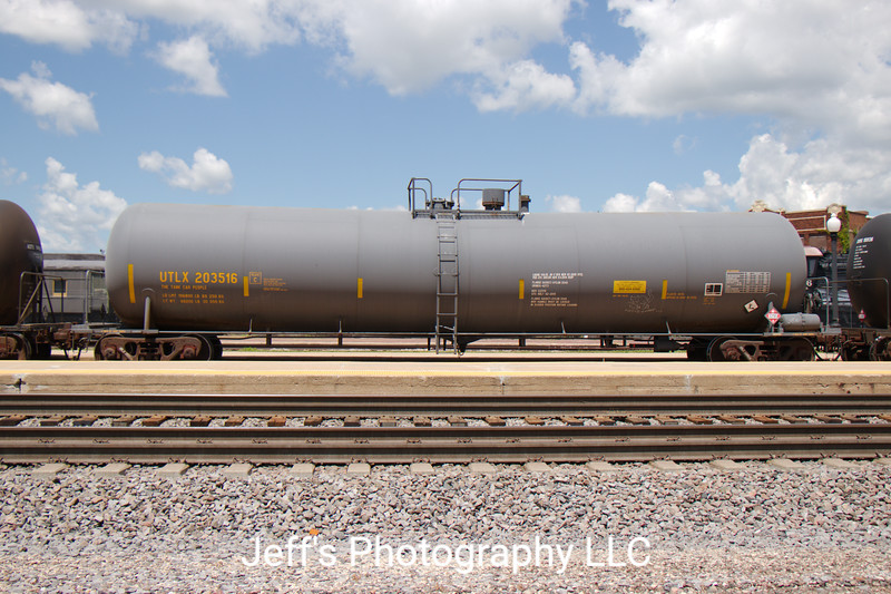 Union Tank Car Company 23,616 Gallon Tank Car No. 203516
