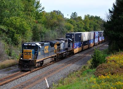 Q157 Westbound Intermodal at Centerport