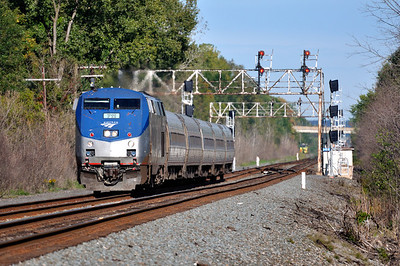Amtrak Train 281 (Empire Service) hustles west at QC308 signal bridge