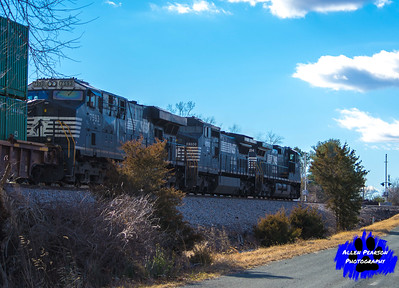 Norfolk Southern Heading at Elkwood, VA