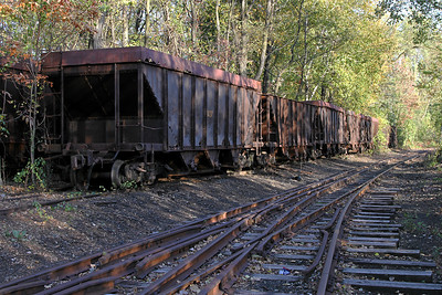 Abandoned EBT coal cars and dual gauge track at Mt. Union, PA