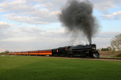 Milwaukee Road 261 at Bongards, Minnesota