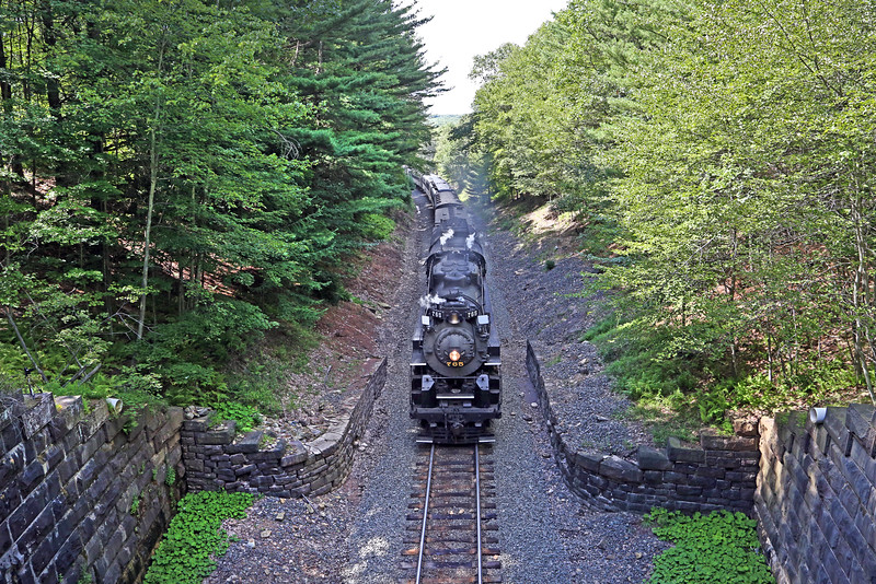 Nickel Plate 765 approaching White Haven Tunnel