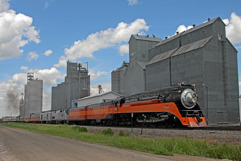 Southern Pacific Daylight 4449 at Thompson, North Dakota