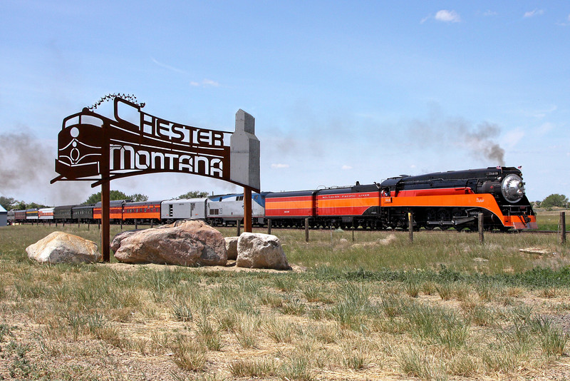 Southern Pacific Daylight 4449 at Chester, Montana